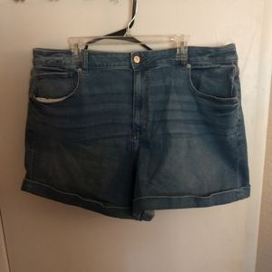 AE Mom Shorts